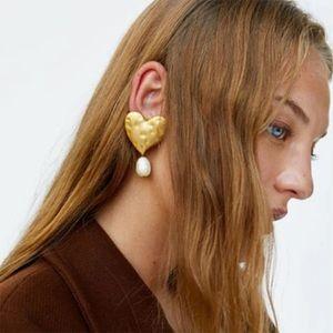 Zara Chunky 3D Gold Heart Pearl Pin Earrings